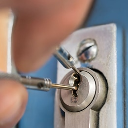 Leeds-Emergency-Locksmiths