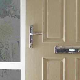 Door-Locks-and-Handles-Wakefield